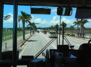 沖繩のバスから