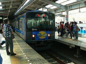 車両基地直行の臨時電車
