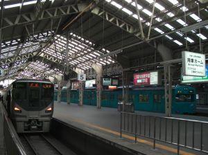 阪和線天王寺駅の代名詞。行き止まりホームと高い天井