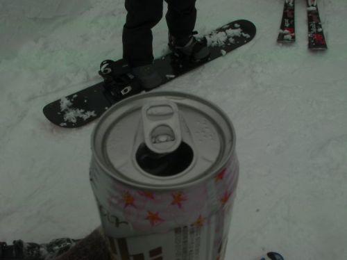 スキー場でも飲んでます