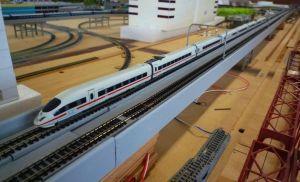 ドイツの高速列車ICE3