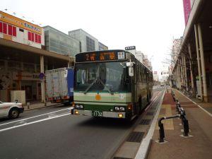 高出力の路線バス